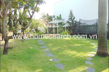 Bán nhà compound Thảo Điền, DT 830m2, hồ bơi, sân vườn rộng