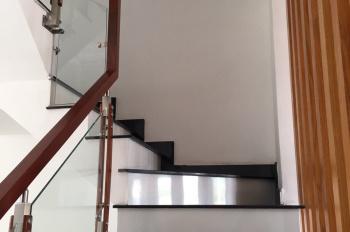 Cho thuê nhà tại khu dân cư P Hiệp Thành, Thủ Dầu Một, 1 trệt 2 lầu 3 phòng ngủ, 4 WC, giá: 13tr/th
