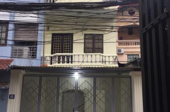 Cho thuê nhà 3 tầng, DT 70m2, mặt tiền 4,5m ở Nghi Tàm, để ở hoặc kinh doanh tốt. LHCC: 0962005666