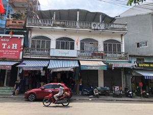 Cho thuê nhà mặt tiền 12.5m ngay đường Phan Bội Châu, đối diện chợ Bến Ngự, DT 160m2