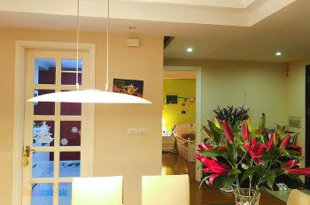 Bán căn hộ Ciputra view Hồ Tây, 3 phòng ngủ, 119m2, giá rẻ 4.3 tỷ cần bán nhanh