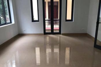 Cho thuê biệt thự khu đô thị Việt Hưng, Long Biên 200m2, 25tr/1 tháng, nội thất cơ bản