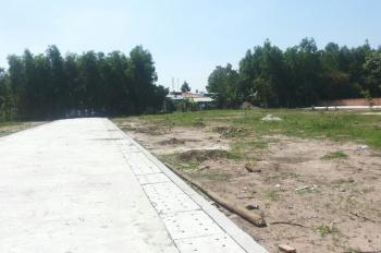 Cần tiền bán gấp đất thổ cư 900m2, mặt tiền Phú Quốc, giá bán 690 tr/nền SHR