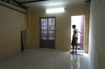 Cho thuê nhà nguyên căn 30m2, 2PN, ngõ phố Lê Thanh Nghị. LH: 0983947004