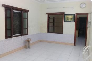 Cho thuê nhà phố Hàng Giấy, gần chợ Đồng Xuân làm homestay
