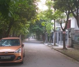 Chính chủ cần bán nhà riêng tại ngõ 97/2 phố Văn Cao Liễu Giai Đội Cấn, Ba Đình, DT 65m2, 13,5 tỷ