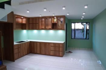 Bán gấp nhà mặt tiền 1 trệt, 3 lầu Quốc Lộ 60 gần Bùng Binh mũ, phường 6, TP. Bến Tre 0907880939