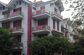 Bán nhà hẻm 6m đường Hồ Biểu Chánh, Quận Phú Nhuận, DT: 30.5m x 27m. Giá: 99 tỷ
