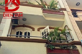 Cho thuê nhà hẻm lớn đường D3, quận Bình Thạnh, 3 lầu giá 24tr/th, LH 0702270000