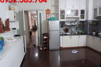 Chính chủ bán căn hộ 2PN giá 2.7 tỷ tại chung cư Khánh Hội 2 quận 4