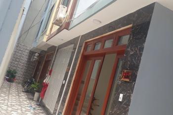 Chính chủ cần bán nhà mặt ngõ phố Dịch Vọng. Diện tích 35 m2 x 5 tầng, giá: 3.65 tỷ