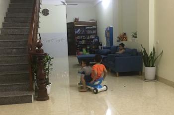 Cho thuê nhà 2 tầng, 2 phòng ngủ, 2 wc, ô tô vào tận nhà tại ngõ 1 Thanh Lãm, Phú Lãm, Hà Đông