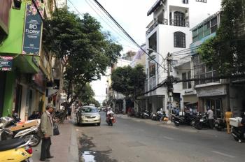 Bán nhà mặt tiền đường Lê Thị Riêng, P. Bến Thành Q. 1, trệt, 3 lầu, DT 4,5x17m, 24 tỷ thương lượng