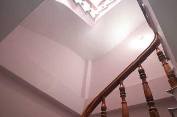 Bán căn nhà đất thổ 5 tầng ở Linh Đàm phong thủy, sạch sẽ giá 2 tỷ. LH 0949 367 188