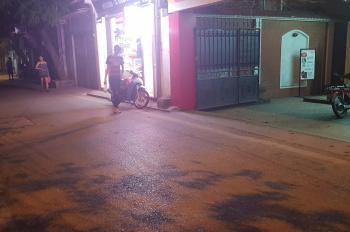 Cho thuê nhà 3 tầng, làm cửa hàng siêu thị, tại ngõ 310 Nghi Tàm, Tây Hồ, Hà Nội, DT 70m2/1 sàn