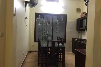 Cho thuê nhà làm kinh doanh, văn phòng ngõ 230 quan nhân (ô tô vào được)0912540867 Chị Oanh