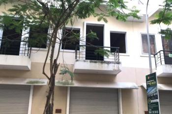 Cần bán căn hộ liền kề dãy U KĐT Đô Nghĩa, Hà Đông. Diện tích 75m2 x5 tầng. Mặt tiền 5m.