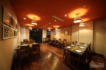 Cho thuê biệt thự sân vườn mặt phố Trần Phú, DT: 250m2 x 3 tầng, MT: 14m. LH: 0339529298