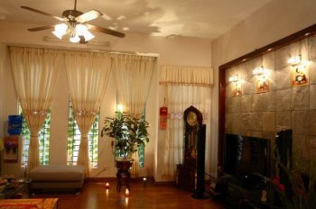 Bán nhà 60m2 ngõ 42 phố Trần Bình, Cầu Giấy, nhà đẹp, có gara. LH 0913662429