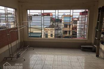 Cho thuê nhà ngõ 59 Láng Hạ, khu phân lô đẹp, ngõ rộng rãi, DT 54m2 x 5 tầng, 6 phòng, giá 18 tr/th