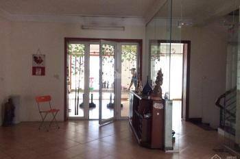 Cho thuê biệt thự lớn, 2 mặt tiền rộng mặt phố Trần Phú, Ba Đình, Hà Nội, LH 0972 362 948