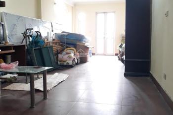 Cho thuê nhà mặt phố Nguyễn Xiển DT 70m2 x 5 tầng. Giá 40 triệu/th LH 0934687335