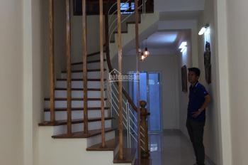 Chính chủ cần bán nhà ngõ phố 255 Lĩnh Nam, DT: 47,5m2 * 4 tầng, 3,5 tỷ có TL, 0962552279