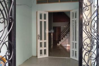 Nhà nguyên căn cho thuê 4 phòng ngủ, 4WC - 10tr/th - LH: 0976456456
