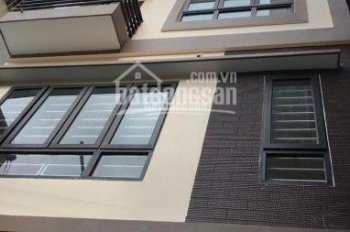 Bán nhà 4 tầng, ngõ 563, phố Trương Định, DTXD: 32m2 x 4 tầng xây mới, SĐCC, giá bán 2.1 tỷ
