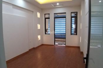 Tôi cần bán nhà gấp đẹp Kim Mã, thiết kế đẹp, DT 52m2/5 tầng, giá: 5.2 tỷ ngõ thông