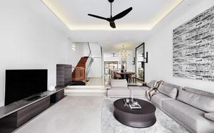 Chính chủ cần bán gấp nhà 5 tầng phố Văn Cao, DT 146m2, MT 9,4m, giá 200tr/m2 bao sang tên sổ đỏ