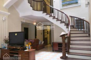 Cho thuê nhà, DT 120m2, nhà 5 tầng, 4 PN, địa chỉ ngõ 310 Nghi Tàm, Tây Hồ, Hà Nội, ngõ ô tô vào