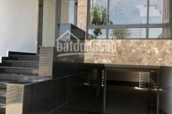 Bán nhà HTNT có thang máy KDT Vạn Phuc DT: 5x22m Đường 20m giá: 10,5 tỷ LH 0902472442