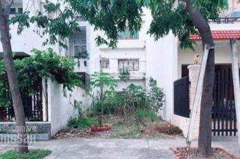 Gia đình khó khăn cần bán gấp đất gần chợ Bà Hom, phường 13, quận 6. Sổ hồng riêng, đường 20m