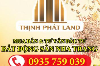 Bán gấp lô đất mặt biển Phú Lâm cách biển 20m, sân bay 2km, DT 129m2, ngang 6m. LH 093.575.9039 Tâm