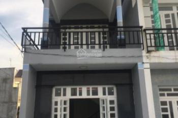 Nhà 1T, 1L Hương Lộ 11 đối diện UB xã Hưng Long, 80m2 mới xây bán với giá mềm 700tr. LH: 0985519866