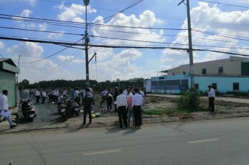Bán đất mặt tiền đường Hoàng Phan Thái, sổ hồng riêng, thổ cư 100%