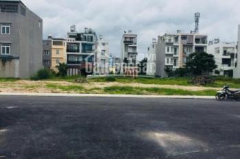 Bán gấp 5 MT DD7(sát ủy ban) Tân Hưng Thuận. SHR, DT 94m2, giá 1.9 tỷ, XDTD, LH 0932154759 Đạt