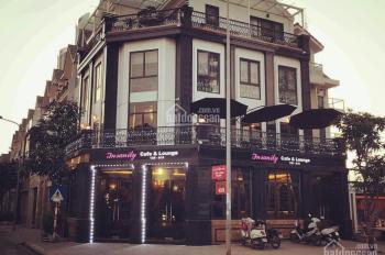Mình muốn sang nhượng quán cafe mặt phố Nam Trung Yên mặt tiền 16M,2 tầng, căn góc siêu đẹp,