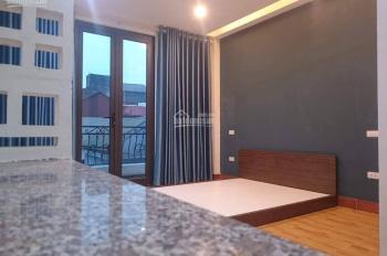 Nhà mới xây kiểu CCMN, cần cho thuê, cách hồ Linh Đàm 300m, LH 0815784678