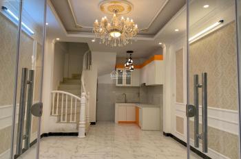 Cần bán nhà phố Lĩnh Nam, Hà Nội, 32m2*5 tầng, nhà đẹp mới xây vào ở luôn, giá: 2,35 tỷ có giảm