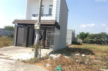 Cần bán nhà gấp gần cổng KCN Tân Đức, Long An