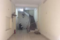 Cho thuê nhà 5 tầng ngõ 139 Nguyễn Ngọc Vũ. Giá 10tr/th