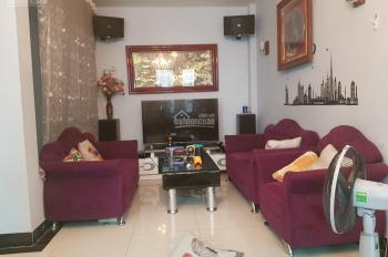 Chính chủ cho thuê nhà, làm căn hộ cho người nước ngoài, DT 130m2, 4 tầng, phố Tô Ngọc Vân, Tây Hồ