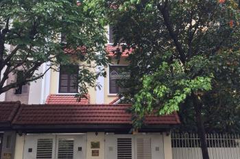 Cho thuê biệt thư Vimeco II Nguyễn Chánh, Hà Nội. DT 170 m2* 4 tầng, căn góc, MT 20 m. Giá 55 tr/th