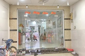 Bán nhà 1 lầu đẹp số 136 mặt tiền Nguyễn Văn Linh, quận 7