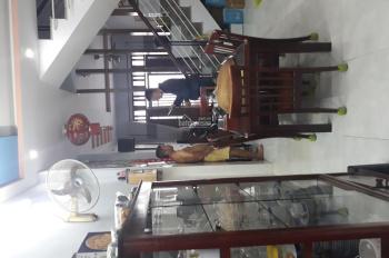 Cần bán nhà nhà hẻ 5m Tân Qúy , Gần Chợ Tân Hương  và trường học ,  Diện Tích  nhà 4 x17 nhà 2 lầu