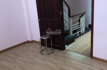 bán gấp nhà 1/ Trần Quang Khải, quận 1, nhà k bị lộ giới, giá 1 tỷ 650 LH: 0938420996