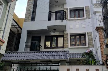 Cho thuê biệt thự 10x20m hẻm xe hơi đường Hồng Hà - khu sân bay. LH: 0906 693 900