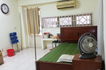 Cho thuê nhà nguyên căn hẻm Mạc Đĩnh Chi, P. Đakao, Quận 1 DT: 4m x 14m, 1 lầu. 21 triệu/tháng